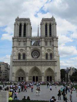 Photo of Paris Paris City Tour by Minivan, Seine River Cruise and Lunch at the Eiffel Tower Notre Dame