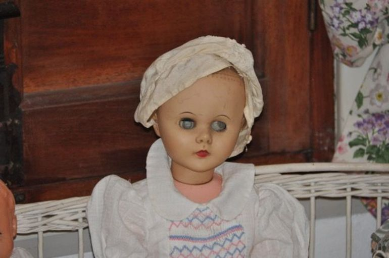 Just one doll from the Estancia There is no reason to go here at all!