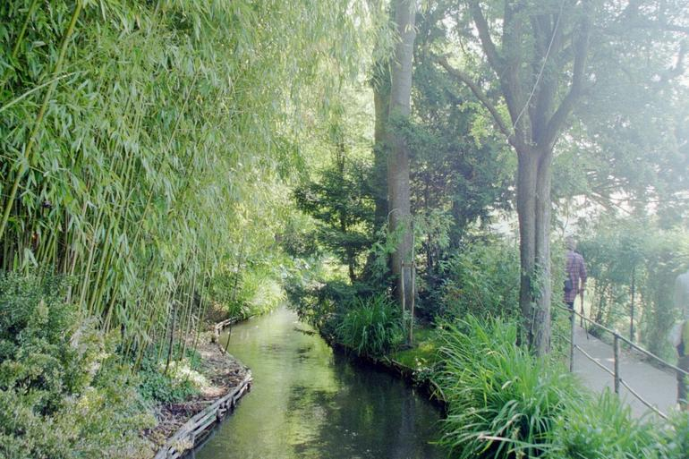Giverny and Monet's Garden - Paris