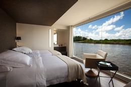 Room on the Aria. - May 2012