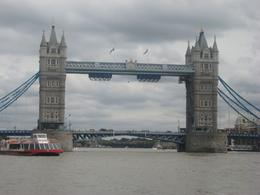 Photo of   Cruise along the Thames River, London