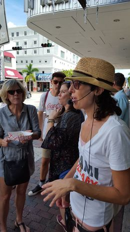 Jen leading the tour sooo well , miami - September 2015