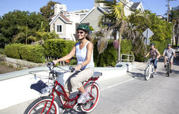 Photo of Los Angeles Electric Bicycle Tour of Santa Monica and Venice Beach Checking out some nice houses