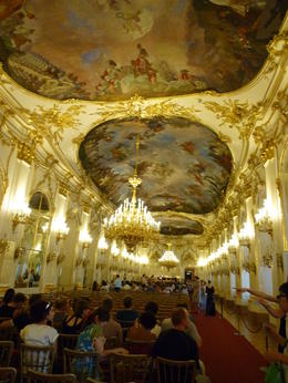 Photo of Vienna Schonbrunn Palace Evening: Palace Tour, Dinner and Concert Concert in de balzaal