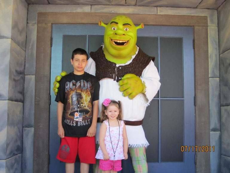 Lanie and Gio with Shrek - Los Angeles