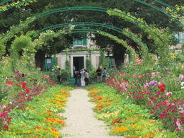 Wandering around Monet's garden and being able to see inside his house was amazing. , Pennytrum - September 2012