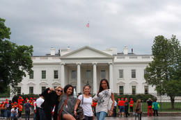 We really had a great time here... we were right outside the fence of the White House. We can see security up on the roof top. , Mimy - May 2011