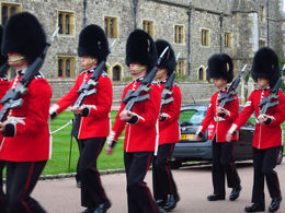 Windsor Castle - Viators Bus tour. , marlae - June 2015