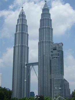 KL Twin Towers from secret location...... that all the tour buses stop at. , NeilC - April 2011