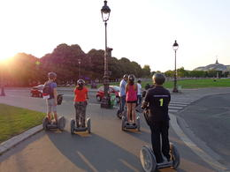 Zipping around the Esplanade des Invalides , dizzledorf - August 2012
