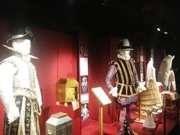 Photo of London Shakespeare's Globe Theatre Tour and Exhibition shakespear-outfits.jpg