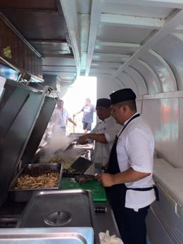They prepared the entire meal right there on the boat! , Ronnie K - June 2015