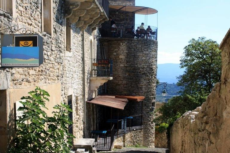 The Luberon village of Gordes - Marseille