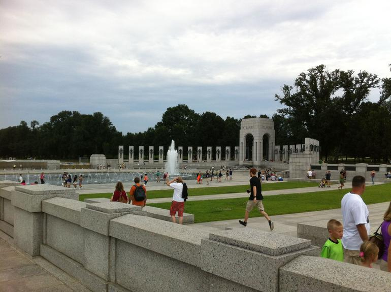 WW II Memorial - Washington DC