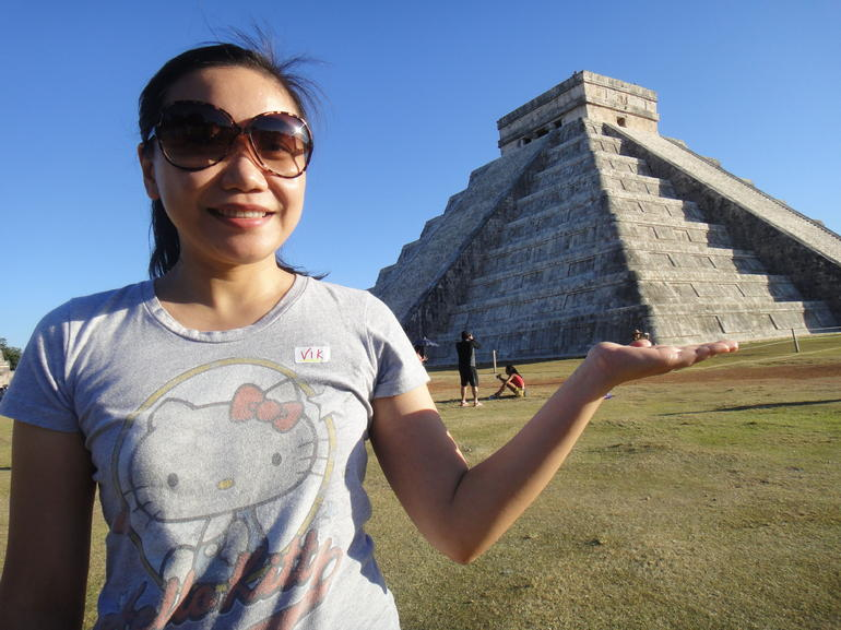 chichen itza in my hand - Cancun