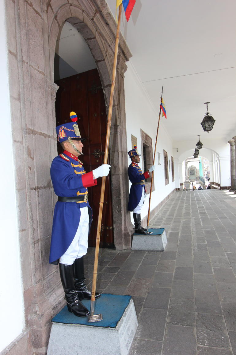 Guards - Quito