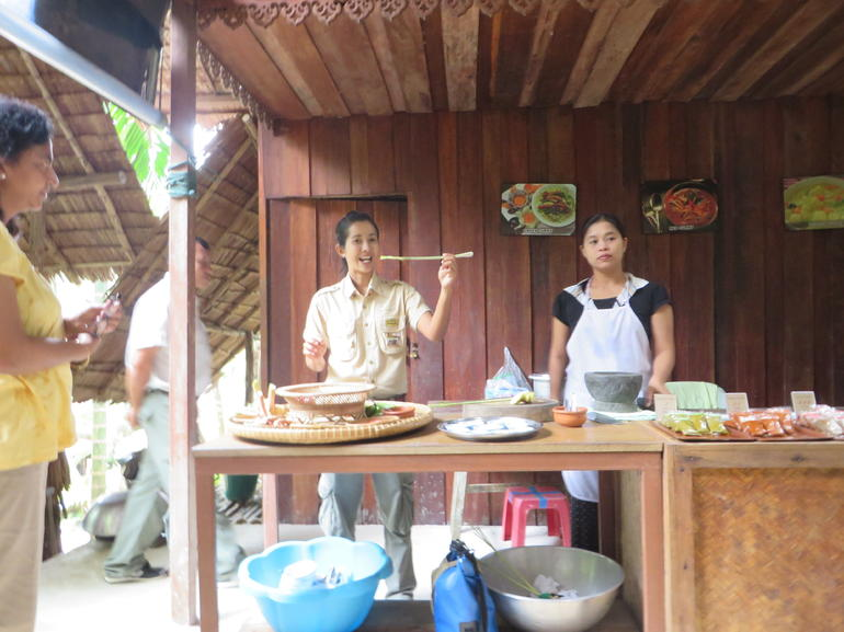 Curry demonstration - Phuket
