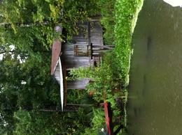 This is an old bayou building , Dan M - September 2011