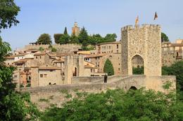 Entrance to the small village of Besalu , SpindleA - May 2014