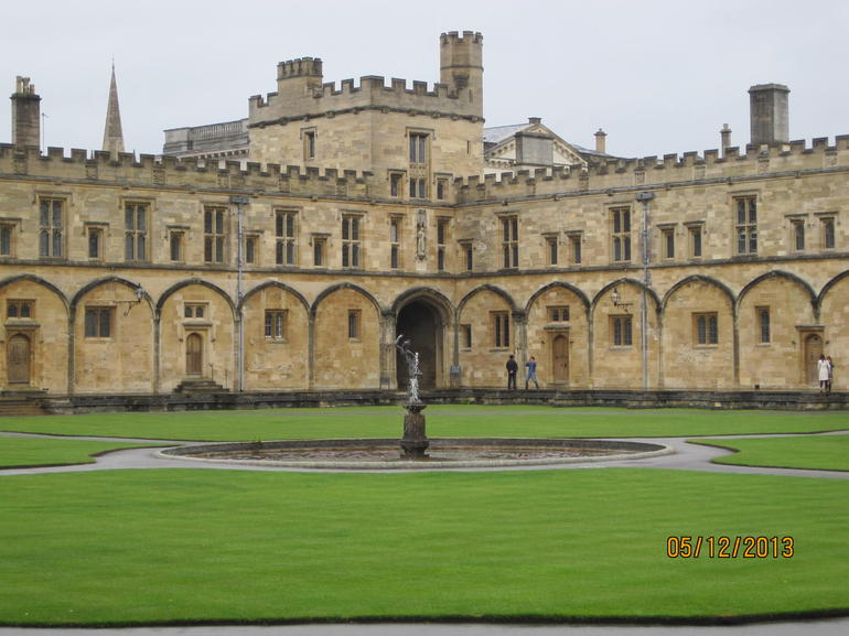 Christ Church College Quad - Oxford - London