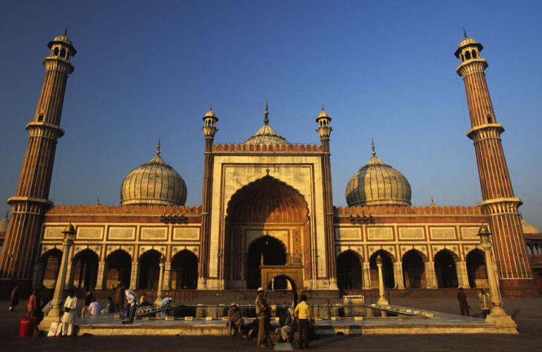 Jama Masjid is the largest and best known mosque in Old Delhi with a courtyard that can accommodate 25,000 worshippers