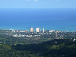 Photo of San Juan El Yunque Rainforest and Luquillo Beach from San Juan SDC11531
