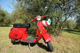 Photo of Florence Florence Vespa Tour: Tuscan Hills and Italian Cuisine Vespa Tours in Tuscany