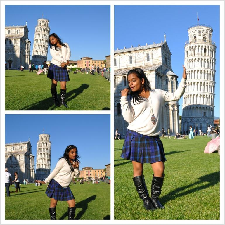 Leaning Tower of Pisa - Cheesy pictures - Florence
