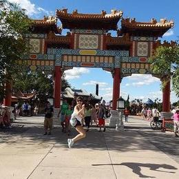 Mulan stance in Epcot China - September 2014
