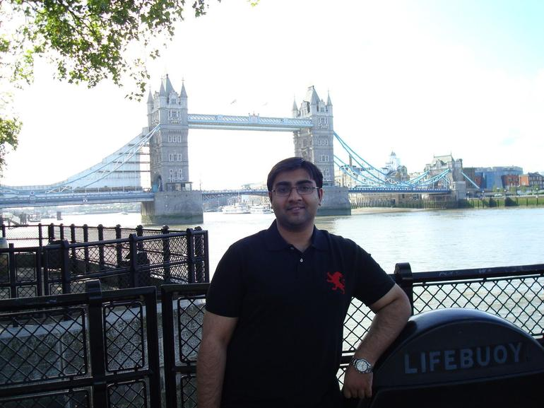 Faisal next to the London Bridge