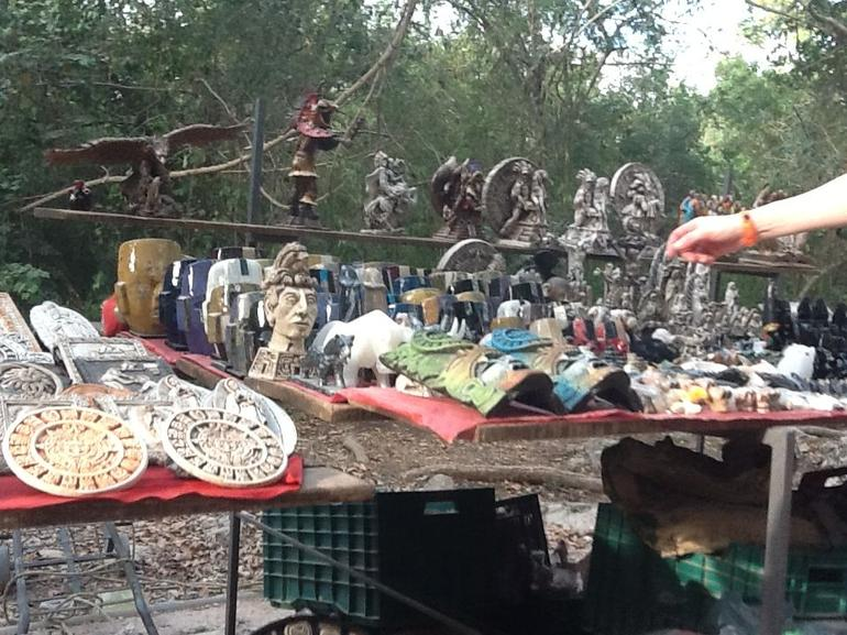 Vendor Junk - Cancun