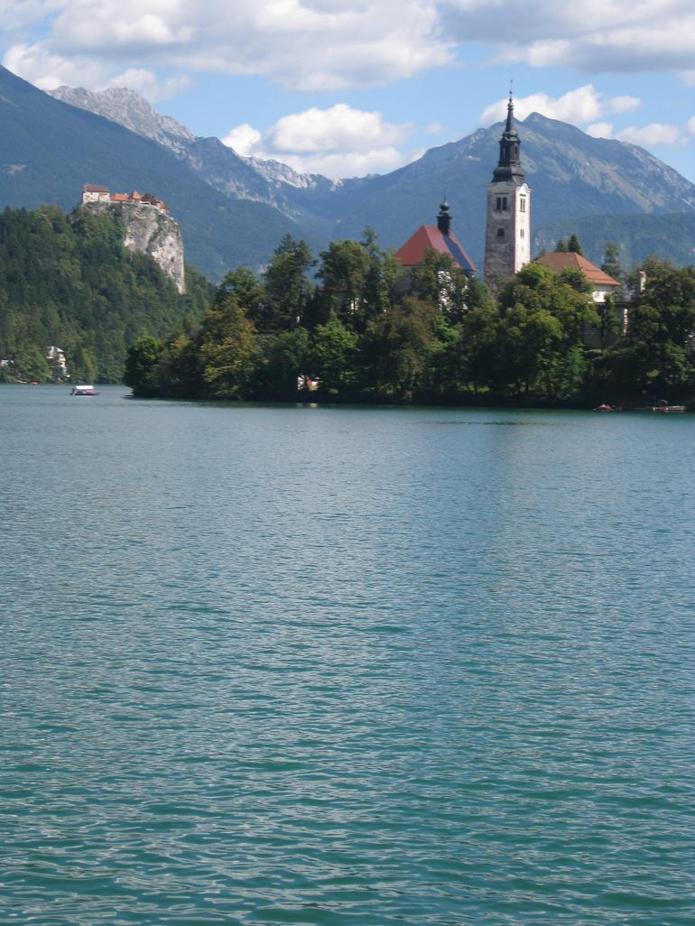 Bled catsle, and the island. - Slovenia
