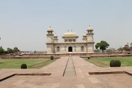 The Mughal mausoleum Itmad-Ud-Daulah - September 2012