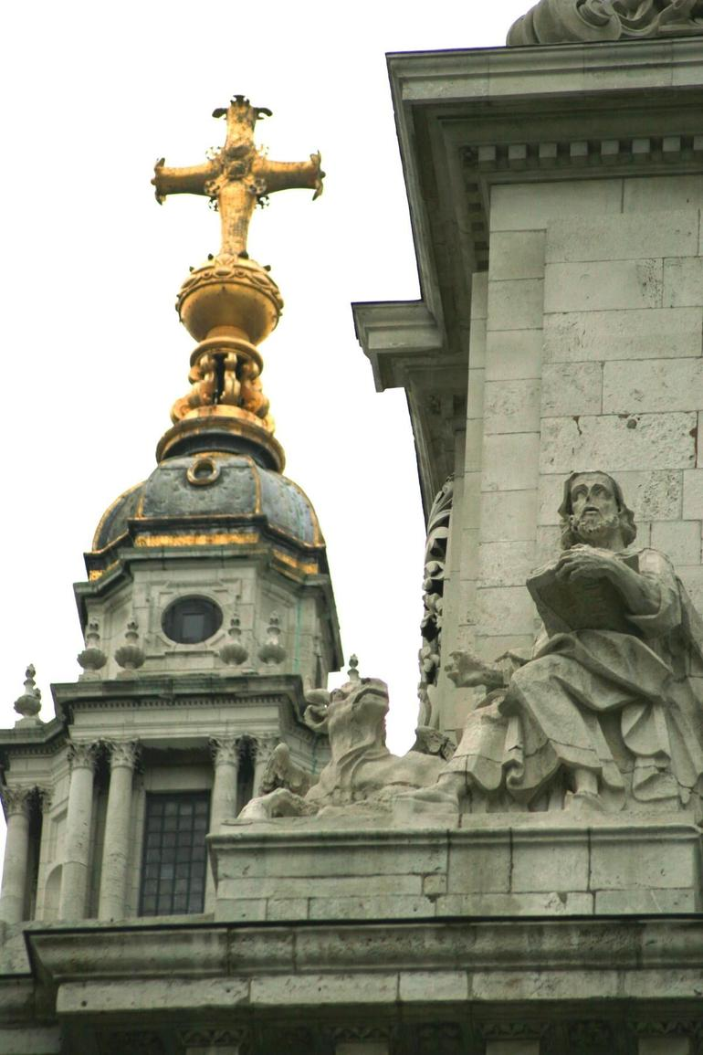 The Statues of St Paul's - London