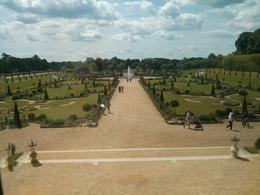 Beautifully manicured Hampton Court Palace gardens. , thepea - July 2014