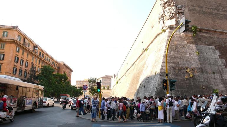 Long Queue in the morning - Rome