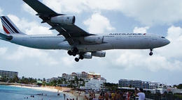 Boeing 747 landing right above everyone on the beach. It was an incredible sight to see the enormous size of the plane on top of all the people. , PENELOPE L - September 2013