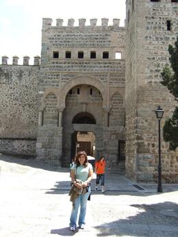 Medieval Castle., Giovanna N - May 2008
