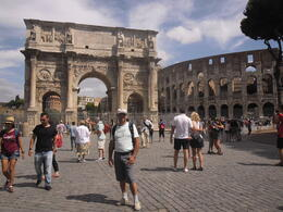 Photo of Rome Skip the Line: Vatican Museums, Sistine Chapel and St Peter's Basilica Half-Day Walking Tour Arco