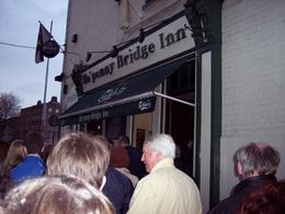Irish music pub crawl: The group is arriving at the first pub - The Ha' penny Bridge Inn, Steven B - April 2008