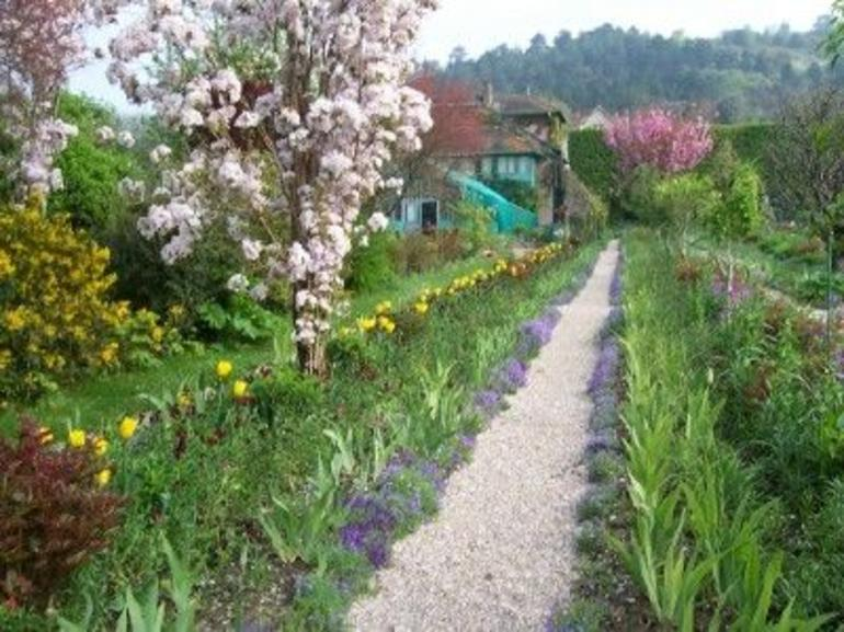 Giverny-Monet's Home & Garden - Paris