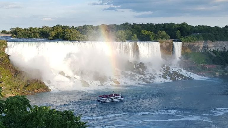 Niagara Falls Canadian Side Tour and Maid of the Mist Boat Ride photo 2