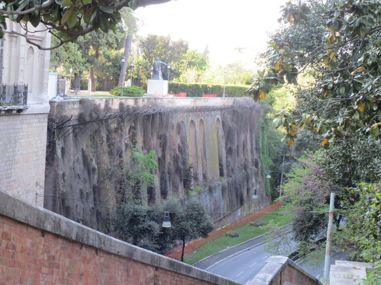 Ancient wall - Rome