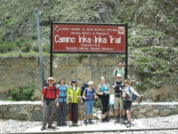 The beginning of the Inka trail with the group. , Rodrigo E - November 2011