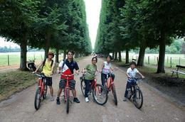 We made a stop along side the man made lake inside Versailles Palace vicinity. , LUDWIG G - July 2013