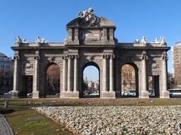 Photo of   Puerta de Alcalá 6.JPG