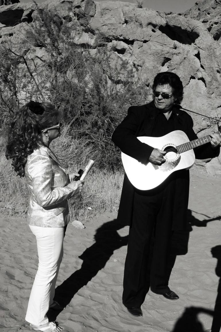 Johnny and June Cash Impersonators - Las Vegas