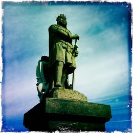 Robert the Bruce's statue, just outside Stirling Castle , HappyBoyPat - August 2012