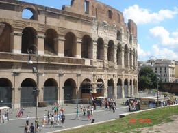 Photo of Rome Shared Arrival Transfer: Fiumicino Airport to Rome Hotels Colosseum
