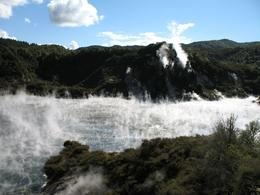 Photo of Rotorua Rotorua Eco Thermal Small Group Full-Day Tour Frying Pan Lake